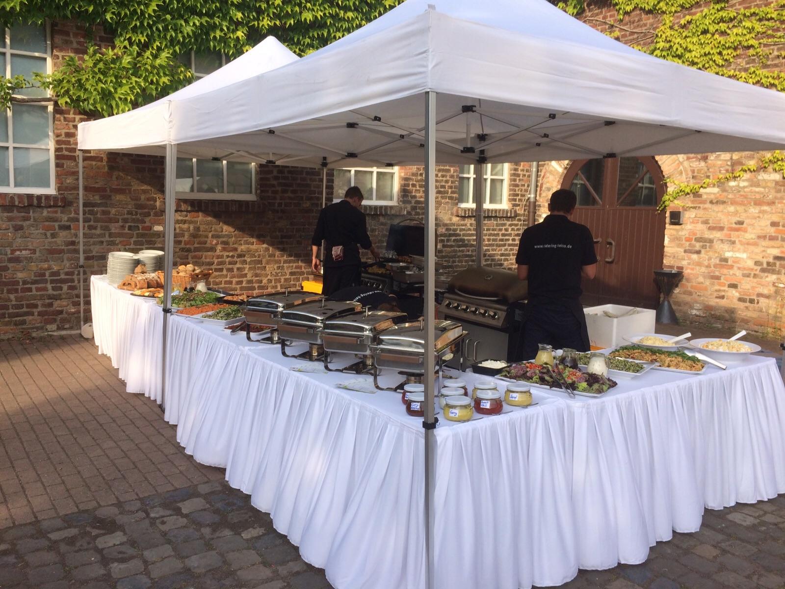 Barbecue zur Hochzeit, 130 Personen